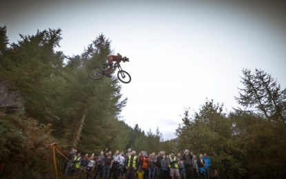 Red Bull Hardline en vidéo by Polygon UR